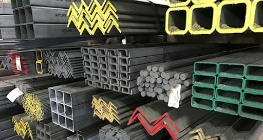 ۱۳۰ میلیارد ریال فولاد احتکار شده در یزد کشف شد
