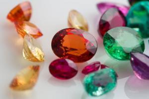 تجارت سنگهای نیمهقیمتی، رشد صادرات و افزایش اشتغال