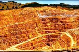 خام فروشی، پنج معدن طلای شرق کشور را تهدید می کند